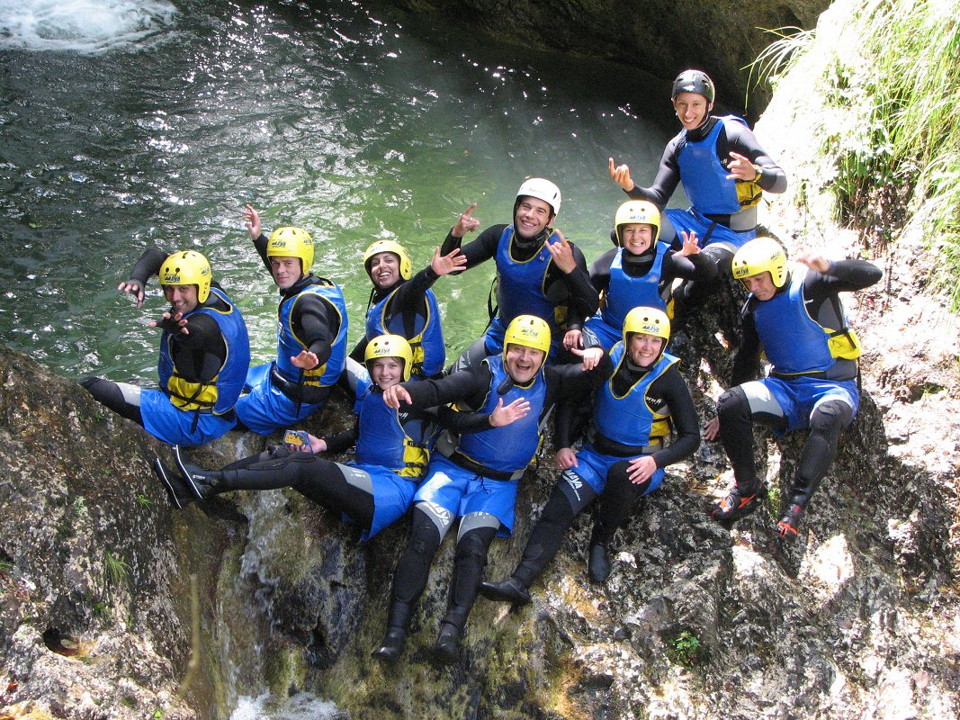 family-escape-active-holiday-canyoning-maya-team.jpg