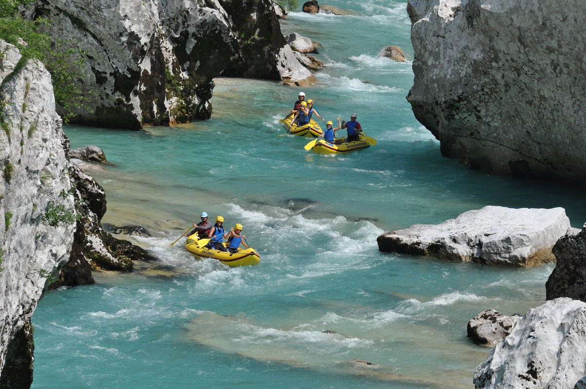 mountain-paradise-active-holidays-mini-rafting-maya-team.jpg