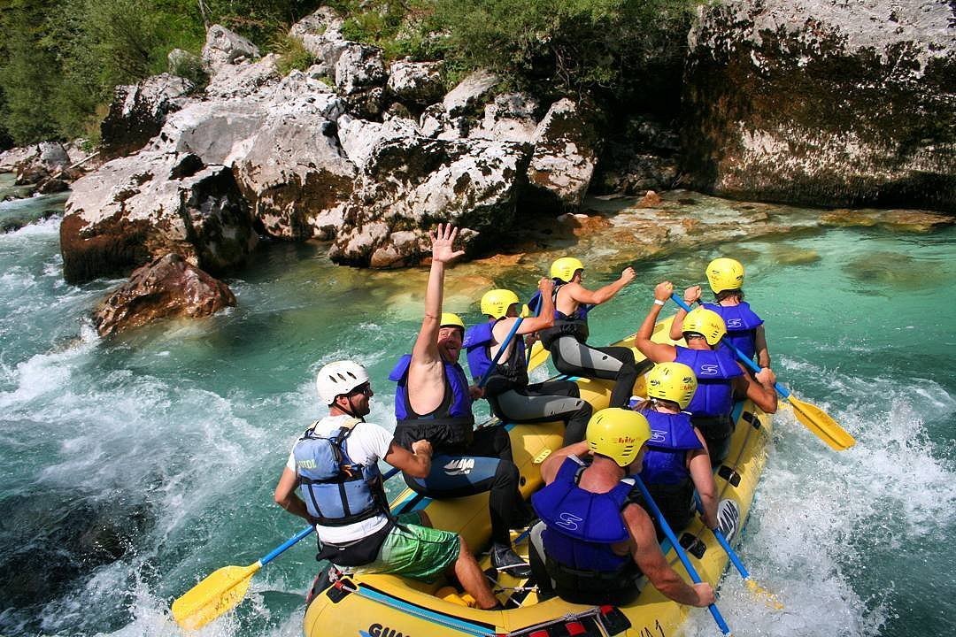 mountain-paradise-active-holidays-rafting-maya-team.jpg