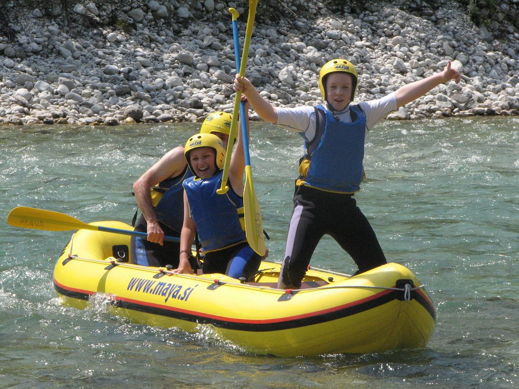 Mini rafting-Kamno4-Maya-team.jpg