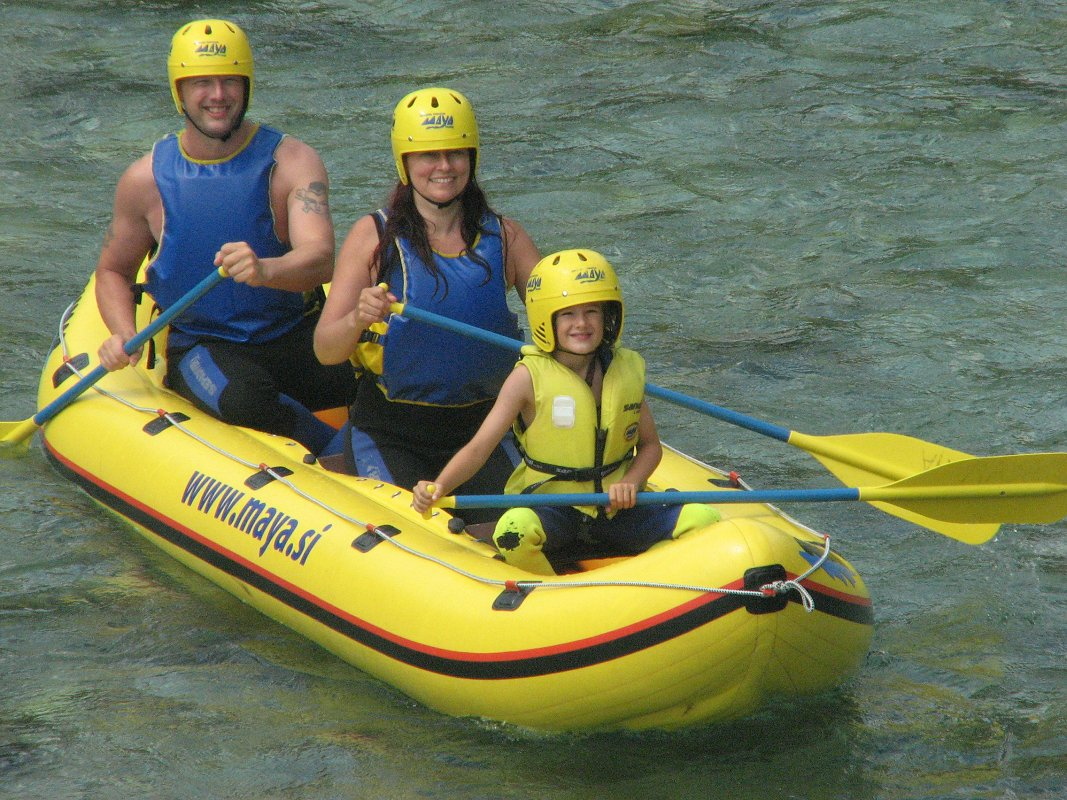 Mini-rafting-Kamno5-Maya-team.jpg