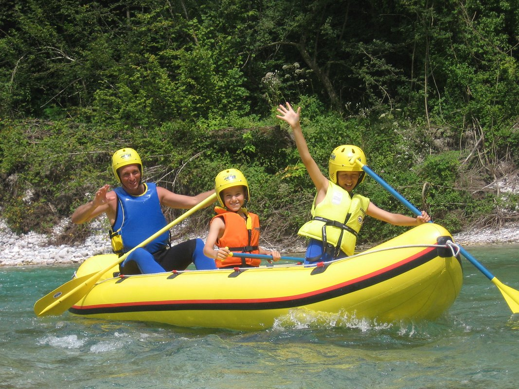 Mini-rafting-Kamno-Maya-team.jpg